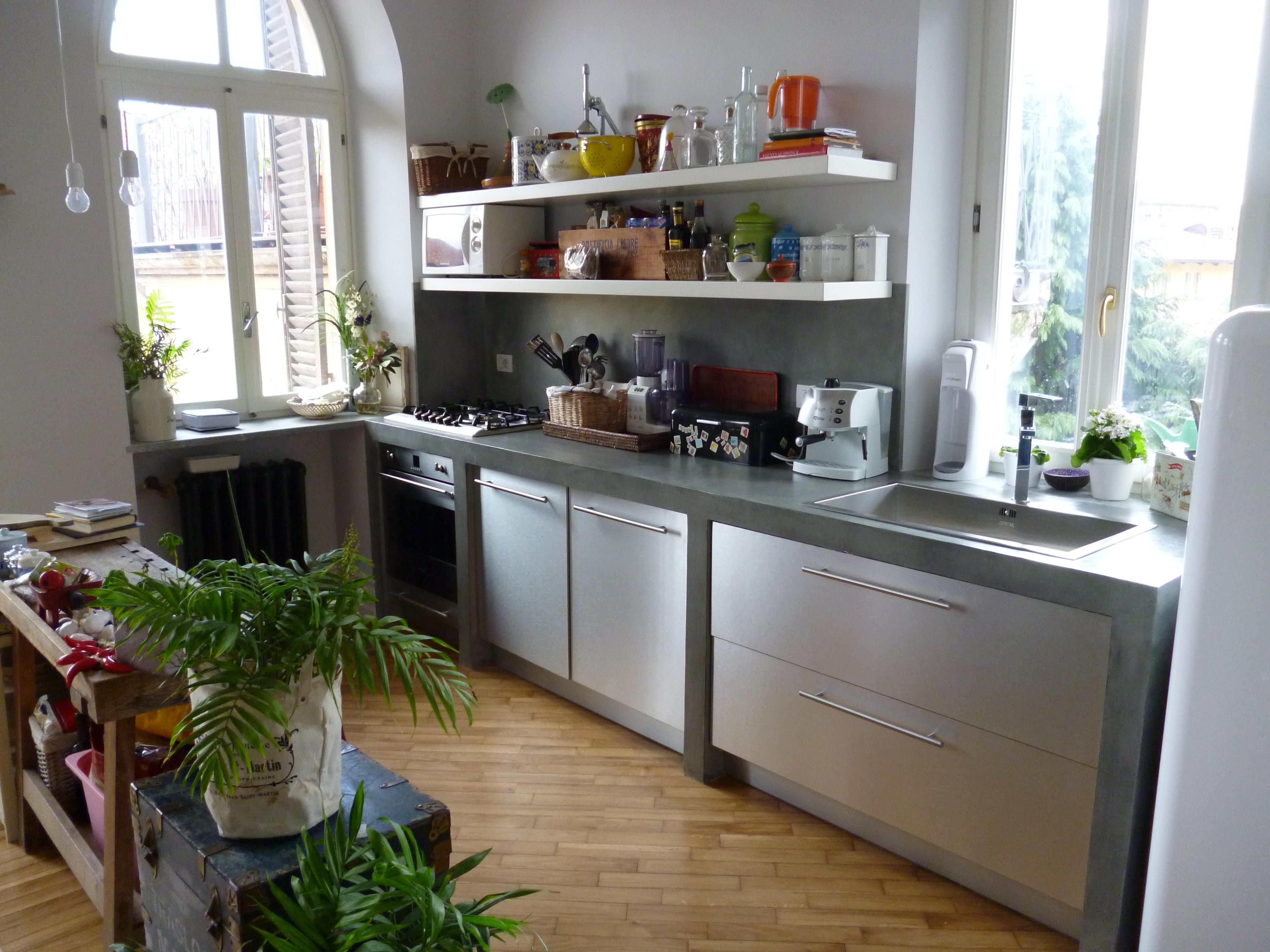 Cucina in muratura e acciaio stefanopezziafornero - Mensole acciaio per cucina ...